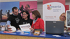 Begoña Grijalvo (izq) y Teresa Gutiérrez (centro)